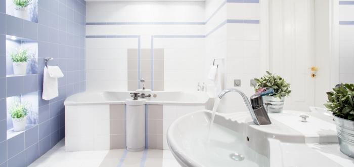 C mo se puede limpiar el ba o en 15 minutos revista lamudi - Como limpiar bano ...